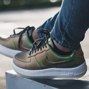 Nike Women's Air Force 1 Upstep Shine